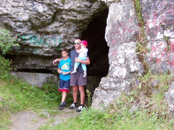 - jaskinia.jpg