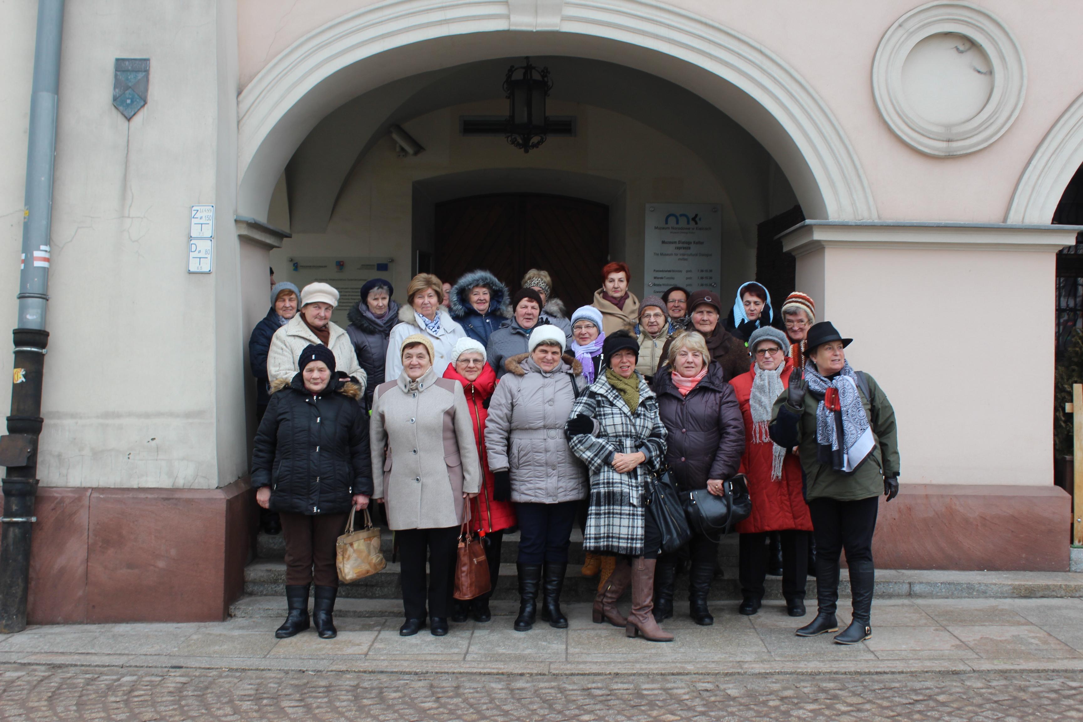 Wycieczka Uniwersytetu Trzeciego Wieku wŁagowie do Kielc